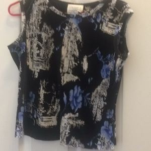 Tops - Lovely ladies top petite small